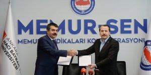 Ali Yalçın ve Yusuf Tekin El Sıkıştı: Protokol İmzalandı