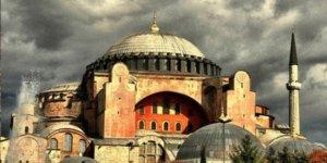 'Ayasofya kanunsuz şekilde müze yapıldı'