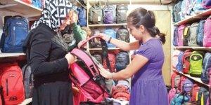 Okul çantası 300 lirayla hazır