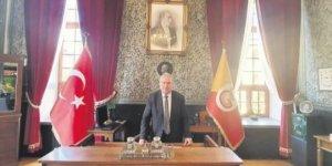 Galatasaray Lisesi müdürü, baskılara dayanamayıp istifa etti
