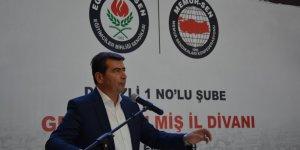 Eğitim-Bir-Sen'den Kaymakam'a Kıyafet Yasağı Tepkisi: Eski Türkiye'nin...
