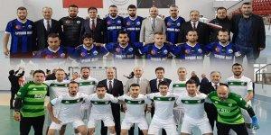Talip Geylan'dan Öğretmenler Kupasına Destek