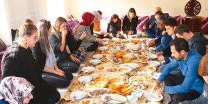 """Köy Sakinleri """"Öğretmenleri Misafir Etme Listesi"""" Oluşturdu"""