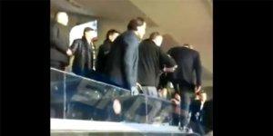Başkan Ali Koç, küfürler sonrası protokolden aşağıya atladı