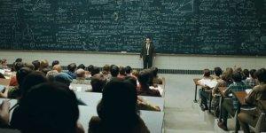 Üniversitelerde hangi unvanda ne kadar akademisyen var?