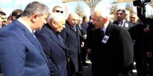 Bahçeli, Kılıçdaroğlu'na kızgın: Daha da onun elini sıkmam