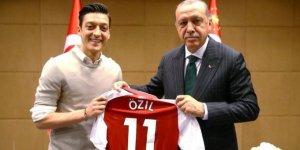 Amaç Mesut Özil'i yok etmek
