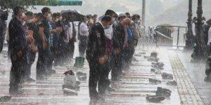 Ankara'da Cuma namazı böyle kılındı