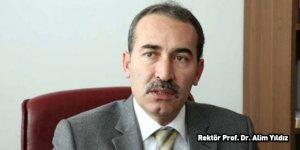 Yeniden seçilen Rektör, rakibi dekanın istifasını aldı