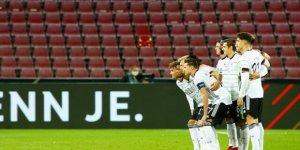Almanya-Türkiye maçında Türk asıllı oyuncu milli marşı okumadı
