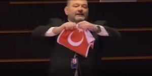 Türk Bayrağını yırtan alçak Yunanlı tutuklandı