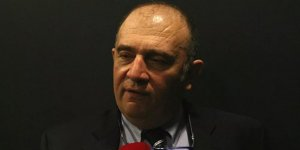 Prof. Ateş Kara: Risk grubundaki kişileri aşılarsak Şubat'ta rahatlayabiliriz