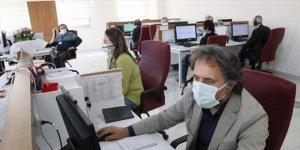 Öğretmenlerden koronavirüs danışma hattında gönüllü görev