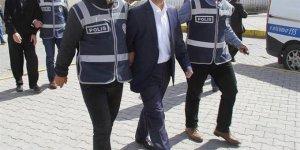 MEB'de FETÖ operasyonu: 5'i halen görevde öğretmen 13 gözaltı