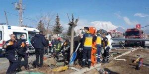 Okul müdürü kazada hayatını kaybetti, 1'i öğretmen 2 yaralı