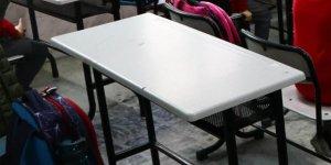 Başörtülü öğrenciyi okula almayan okul yöneticisi ve öğretmen açığa alındı
