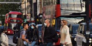 Bilim insanları: İngiltere Pazartesi sürü bağışıklığına geçecek
