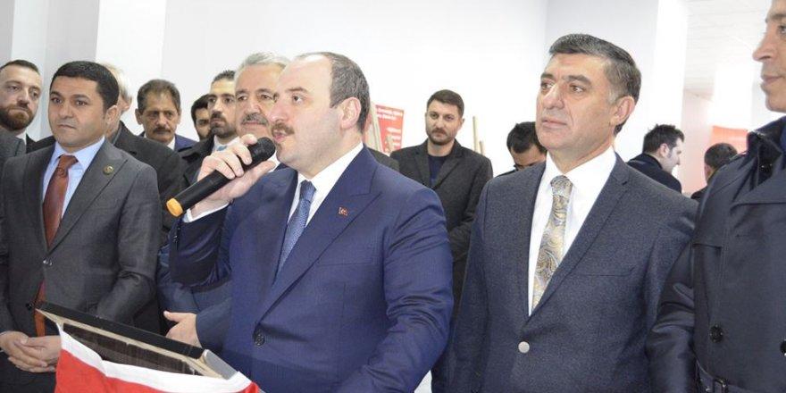 Bakan Varank'tan Çetin Nazik'e Tam Destek