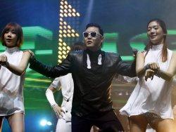 PSY İstanbulda konser verdi